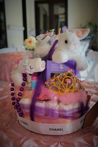 Erica-Rose-Baby-Shower-June-2016-Diaper-cake_153022